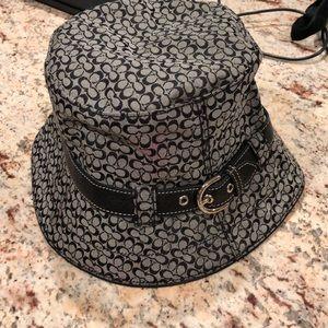 Authentic Coach Bucket Hat Size M/L